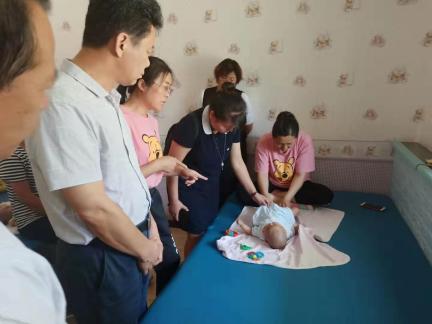 自治区残联副理事长董万军到我市调研(图2)