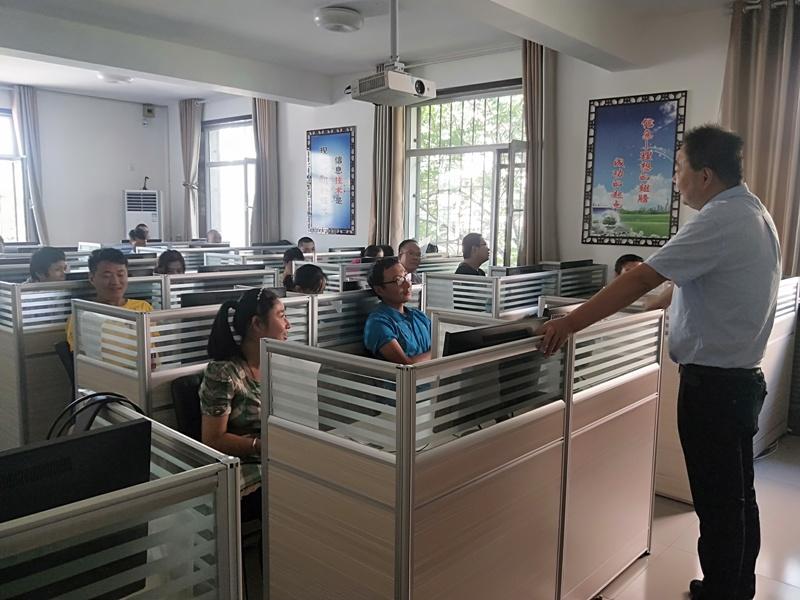 大武口区残联举办2019年残疾人计算机培训班(图2)